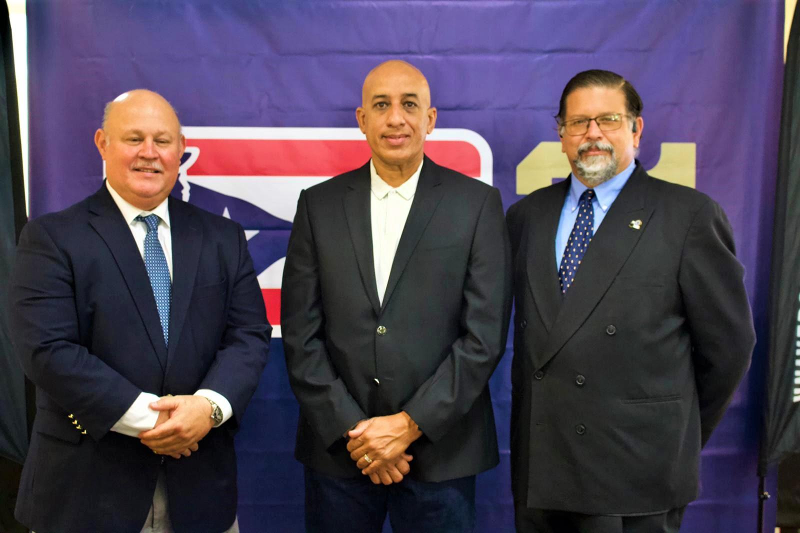 Carlos Berroa - Director de Torneo LBPRC junto al Comisionado Lcdo. Jorge Sosa  y Dr Miguel Vélez Rubio (Foto: LBPRC Media)